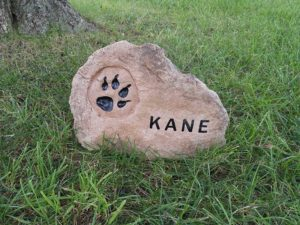 pet-memorial-products-small-boulder